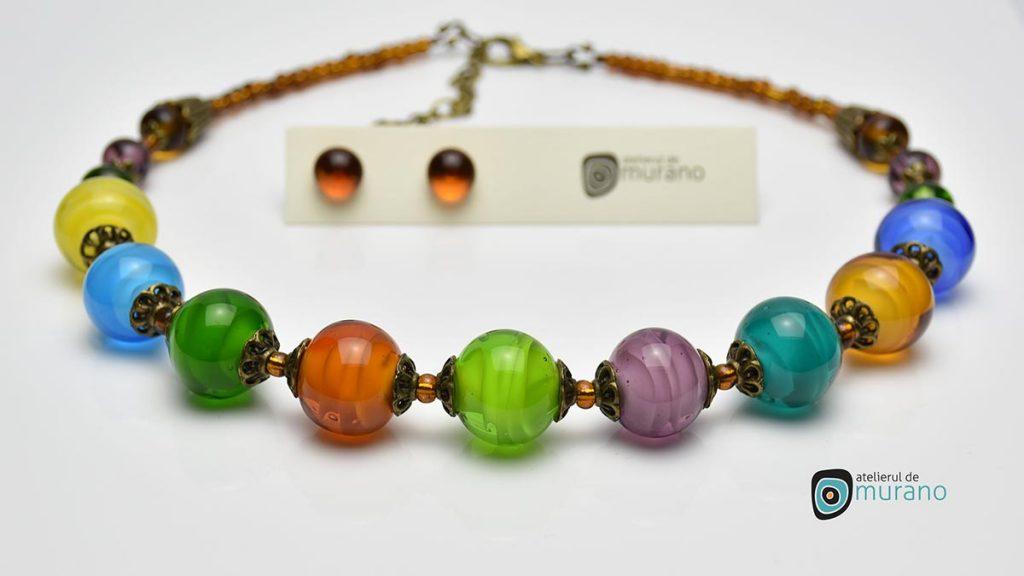 colier multicolor sticla murano